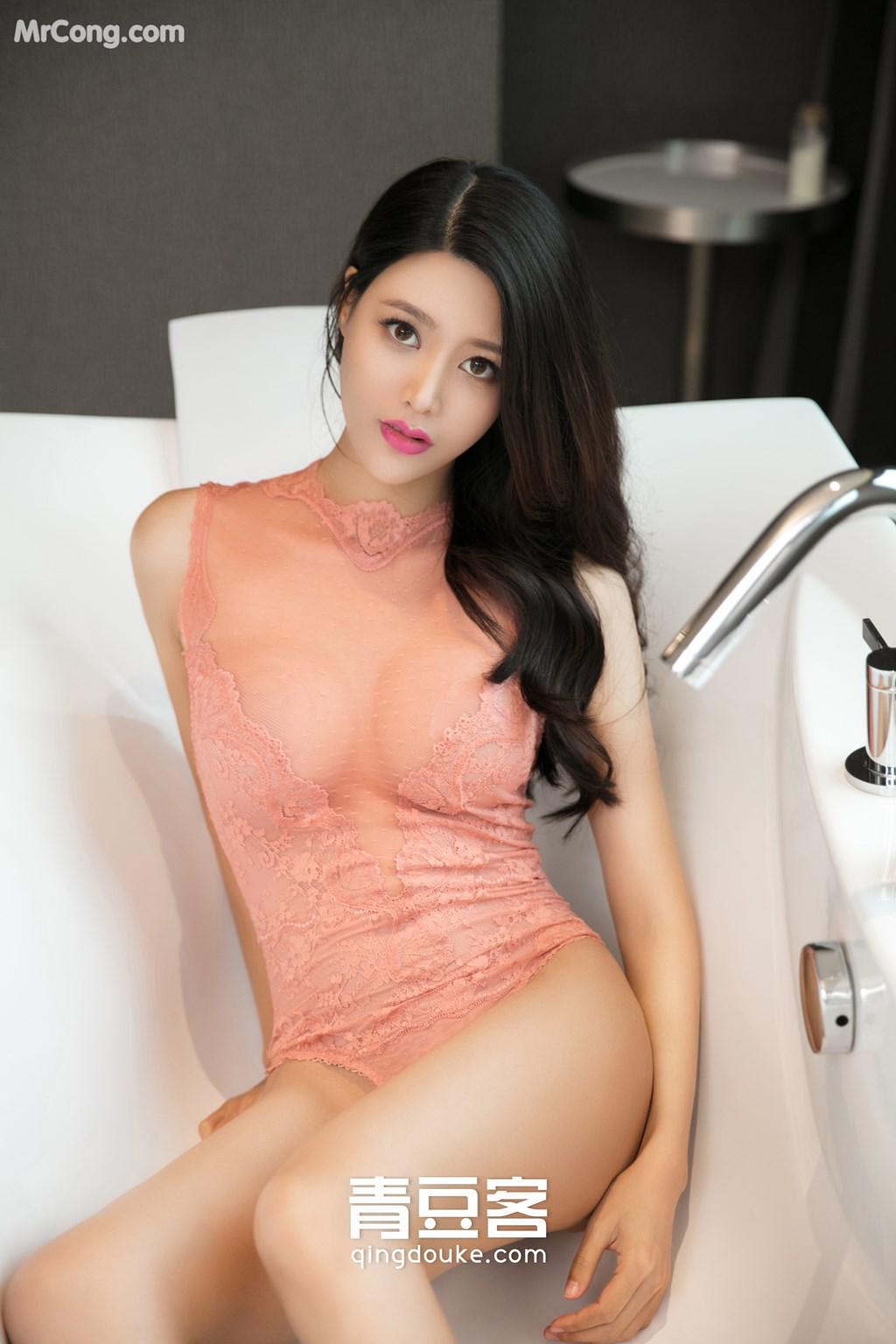 QingDouKe 2017-10-31: Model Li Xiao Ran (李小冉) (51 photos)