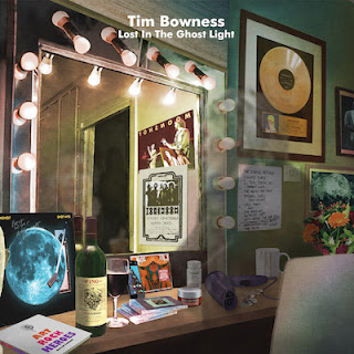 "Το lyric video των Tim Bowness για το τραγούδι ""You Wanted To Be Seens"" από το album ""Lost In The Ghost Light"""