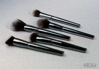 maiko brushes luxury grey