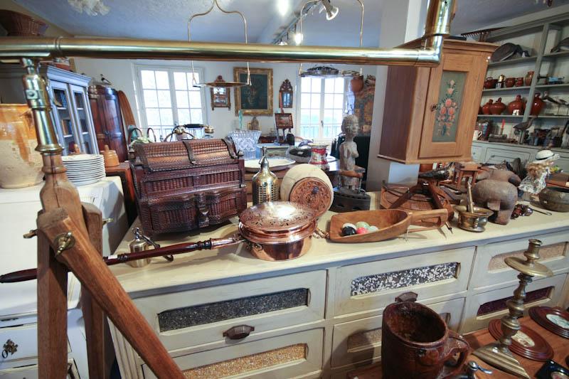 antiquit s brocante c te d 39 azur o nous trouver. Black Bedroom Furniture Sets. Home Design Ideas