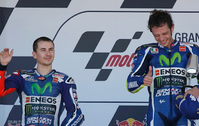 Kenapa Rossi Sangat Bernafsu Kalahkan Lorenzo di Le Mans?