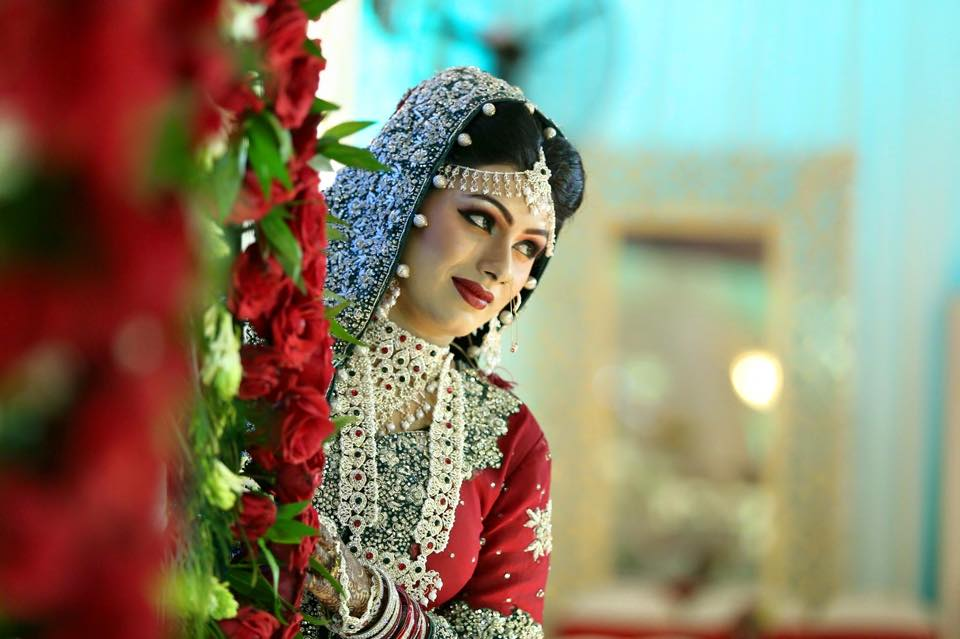 Rose Beauty Parlor Dulhan Makeup