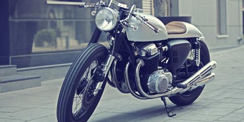 Kustom Honda CB750 Cafe Racer Elgato