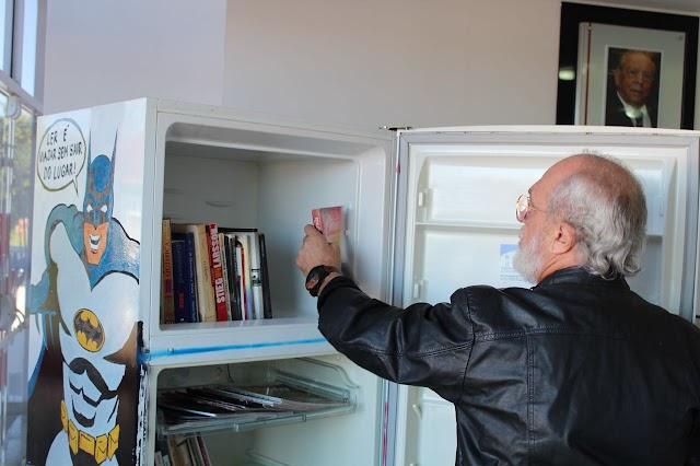 Livros e Revistas de graça na Geladeiroteca do Ambulatório da Santa Casa
