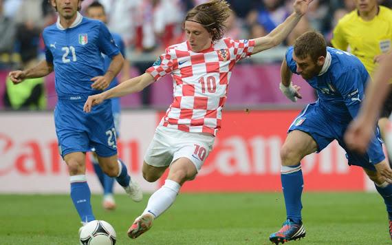 Luka Modrić download besplatne pozadine za desktop 1920x1200 sport nogomet hrvatska reprezentacija
