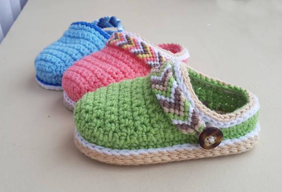 baby booties clogs Crochet pattern