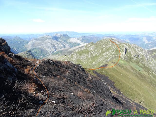 Ruta al Pierzu desde Priesca: De la Cruz de Valdore a La Huerfana