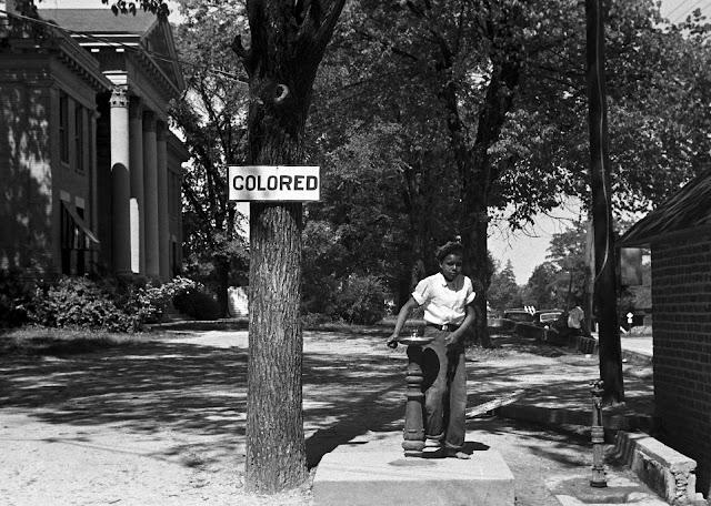 imagen de sobre la discriminación y segregación racial en los Estados Unidos
