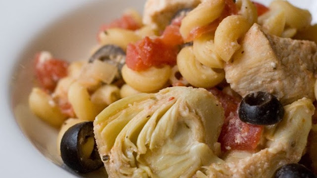 Pasta Salad Recipes to Feed a Crowd