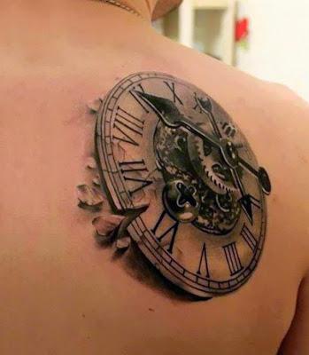 tatuaje de reloj antiguo