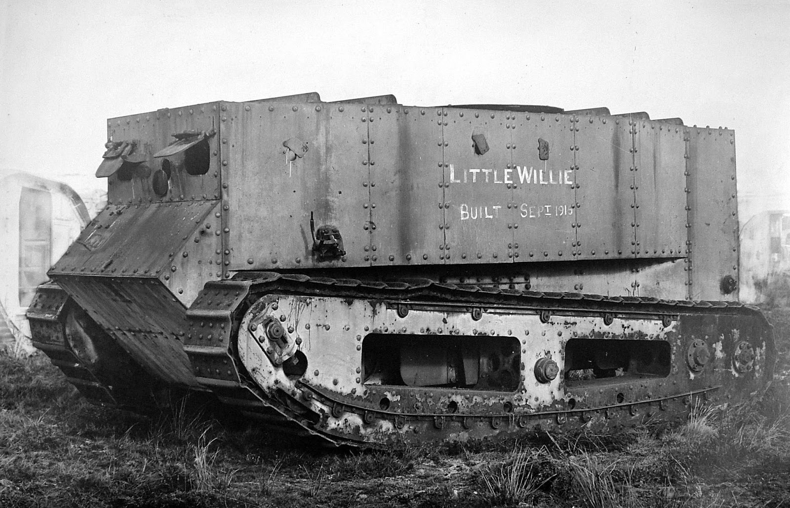 The first tanks of the First World War. Breakthrough in the technical equipment of the armies 40