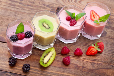 make your own healthy smoothies at home