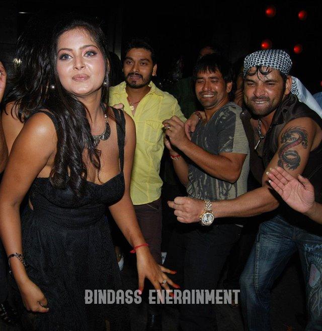 Anjana Singh1
