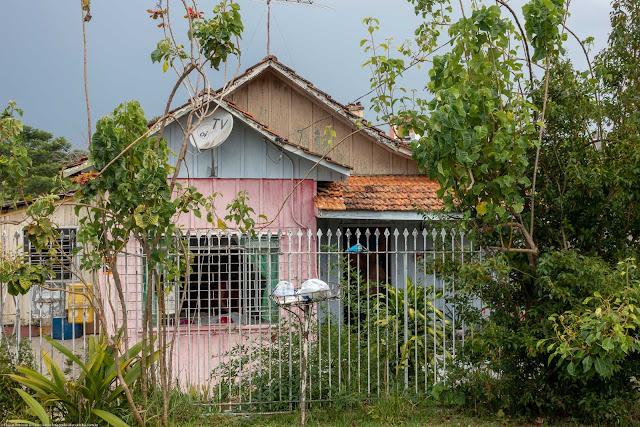 Casa de madeira na Rua dos Dominicanos