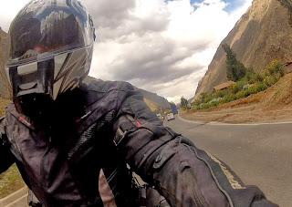 Bela paisagem. no trajeto para Ollantaytambo / Peru.