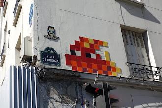 Sunday Street Art : Invader - Villa de Guelma - Paris 18
