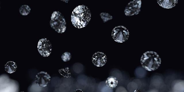 Στο διάστημα βρέχει διαμάντια