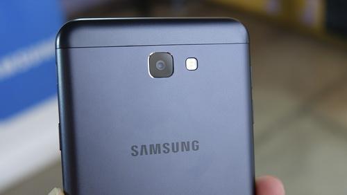 Foto Hasil Kamera Samsung Galaxy J7 Prime