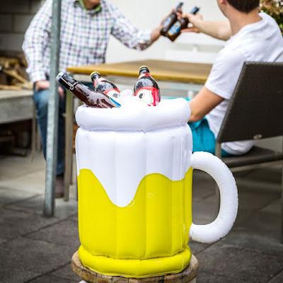 Foto van Radbag.nl: Opblaasbare bierkoeler.