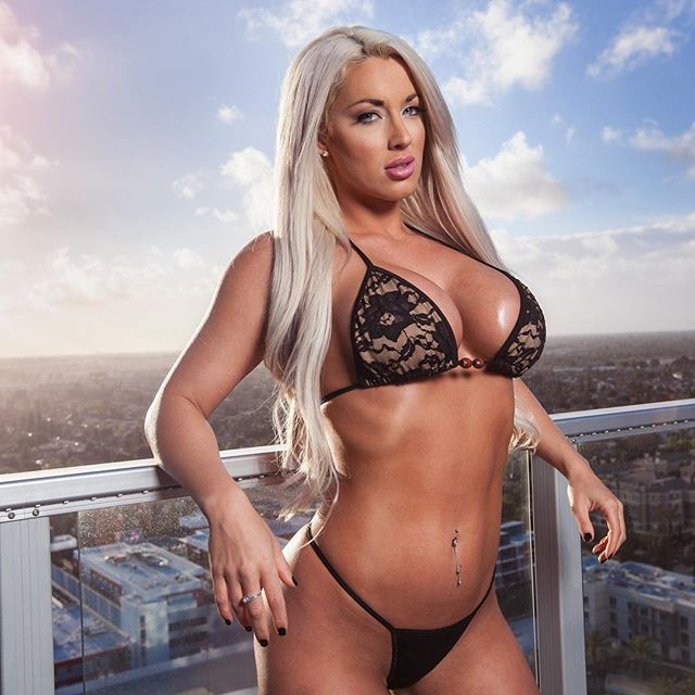 Fitness Model Laci Kay Somers