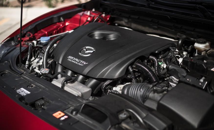 Động cơ của Mazda 6 không quá mạnh, nhưng khả năng vận hành thì tuyệt vời