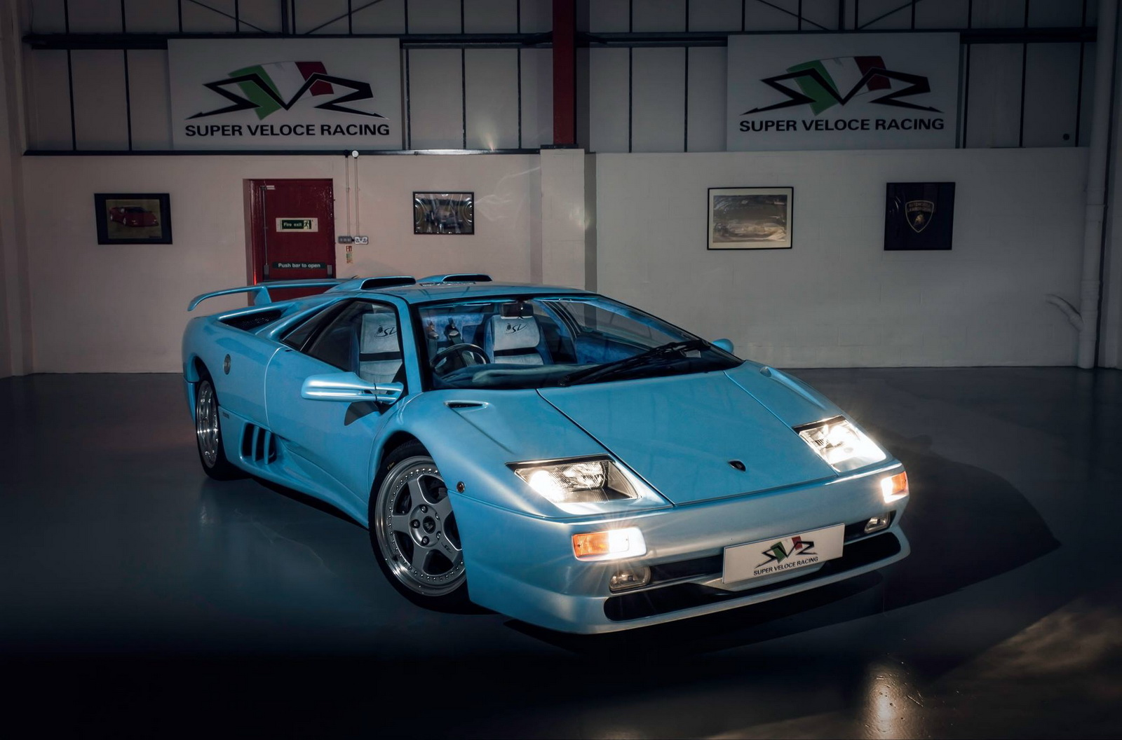 How Much Is A Lambo >> Ice-Blue Lamborghini Diablo SV Is The Hairy-Chested ...