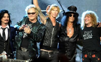 Foto de Guns'Roses al finalizar su concierto