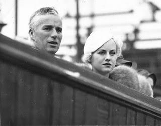 Чарли Чаплин и Полетт Годдар на теннисном турнире (август 1932) 3