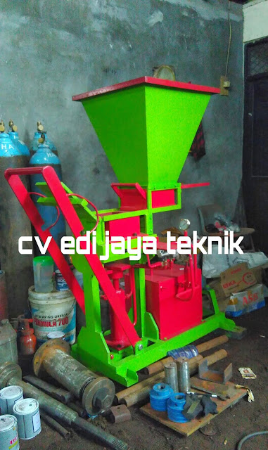 Mesin Press Paving Hidrolik