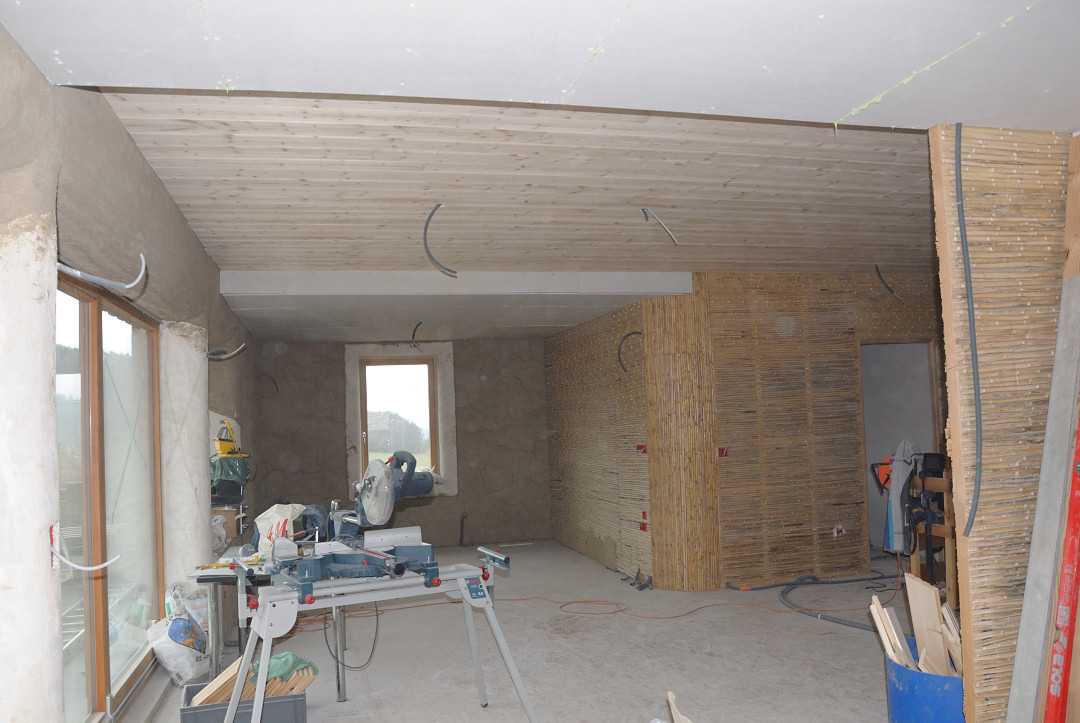 paille en diois fin de la mise en place des plafonds. Black Bedroom Furniture Sets. Home Design Ideas