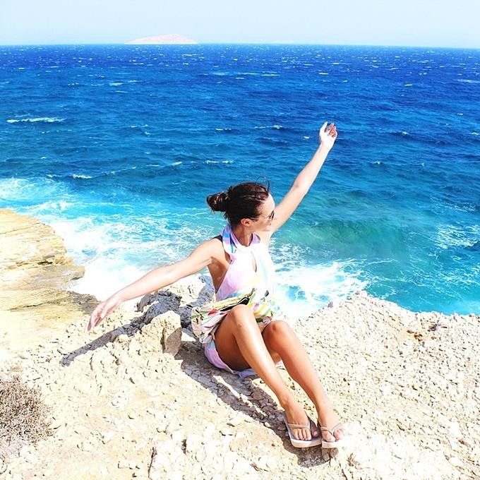 travel blogeer explores Gala Koufonisia.Best summer photos.