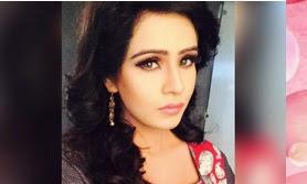 Biodata Fenil Umrigar Pemeran Gauri Dewasa Serial Kaali & Gauri ANTV