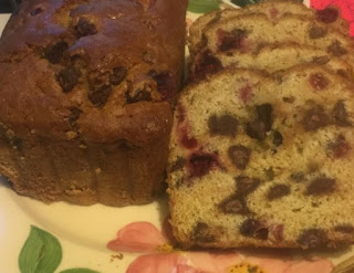Christmas baking, cranberry chocolate chip quick bread, recipes using cranberries, not just for the holidays,