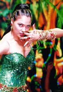 Lara Dutta Item Song: Aisa Jadoo Daala Re
