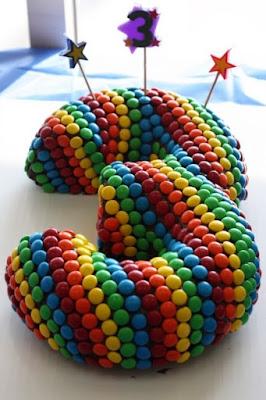Modelo de bolo pra 3 anos ou meses
