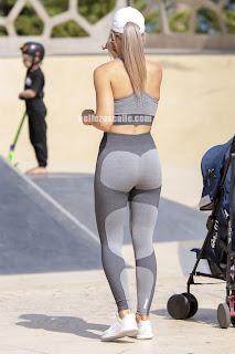 sexy mujer ropa pegada