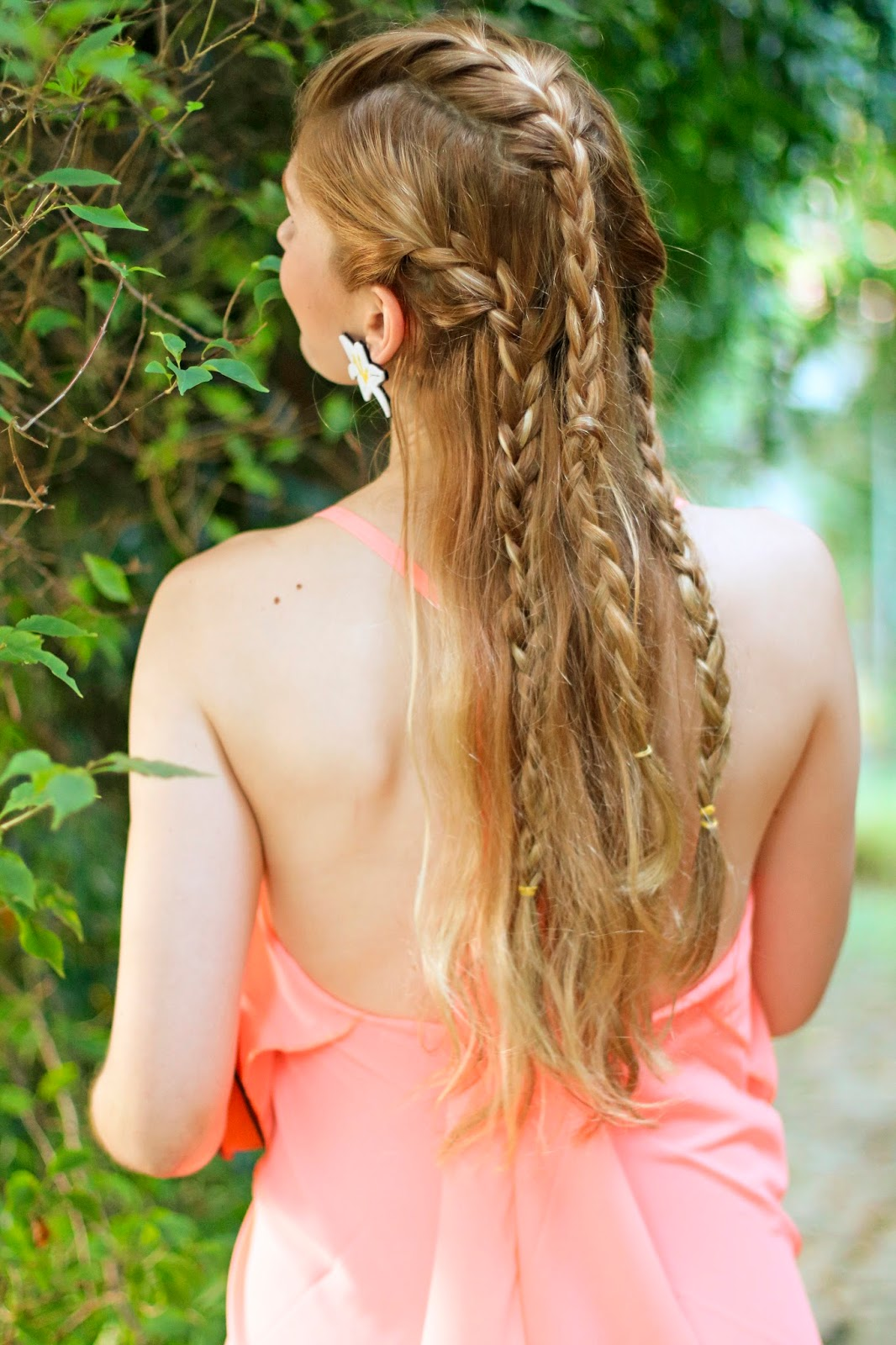 Gorgeous boho chic summer braided hairstyle!