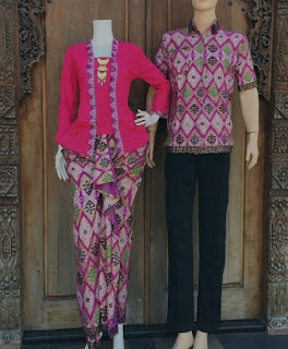 Model baju batik couple warna pink