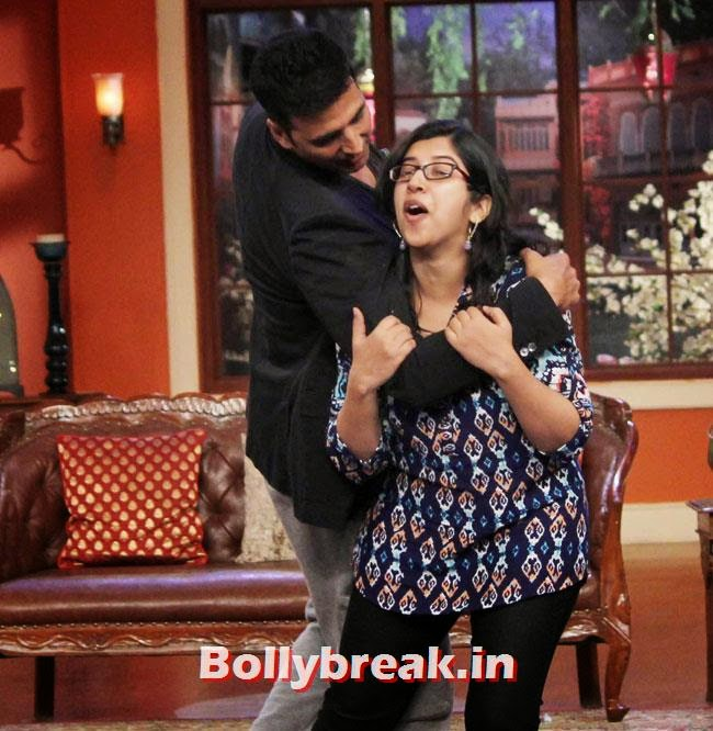 Akshay Kumar, Akshay Kumar on Comedy nights with Kapil for Holiday movie promotion