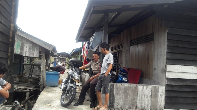 Bhabinkamtibmas Laksanakan Giat Sambang Ke Burung Becak / Buruh Angkut di Jl. Mawar