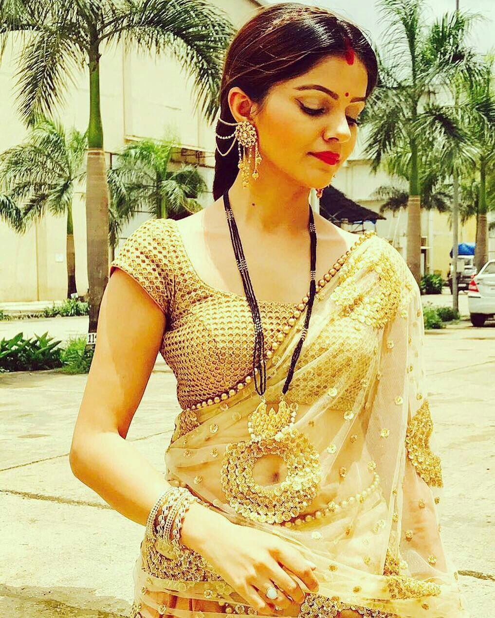 bollywood hot saree photos