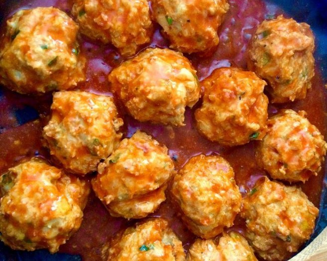 Keto Buffalo Chicken Meatballs #healthy #keto