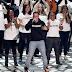 """Logic, Alessia Cara e Khalid performam """"1-800-273-8255"""" no VMA; assista"""