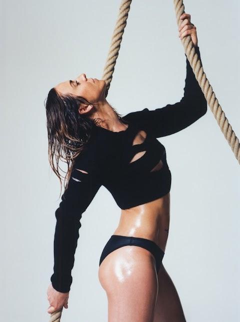 melanie c sexy per love magazine, spiega perché le spice girls sono finite