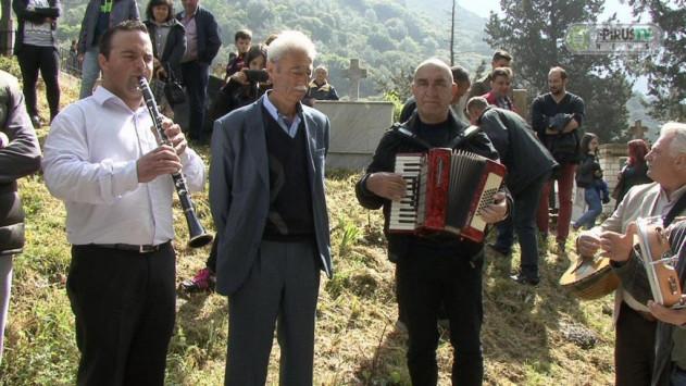 Θεσπρωτία: Αναβίωσε και φέτος το μοναδικό ταφικό έθιμο στο Γηρομέρι (+ΒΙΝΤΕΟ)