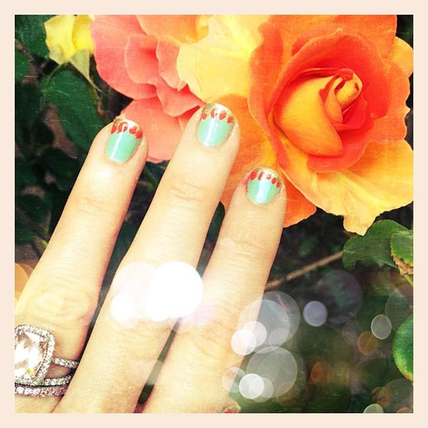 fall manicure, nails, orange rose