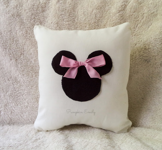 DIY Minnie Mouse Pillow