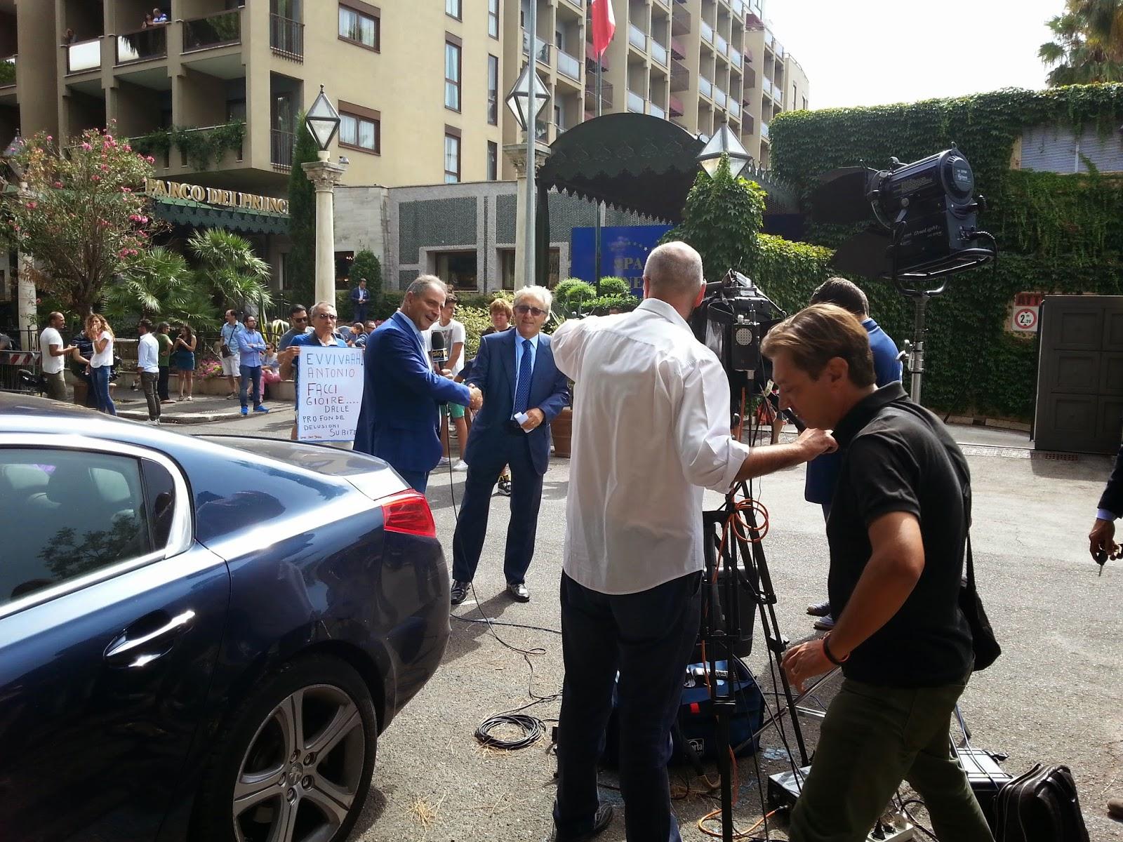Valentini con il giornalista di skySport. foto:fotosportnotizie.com