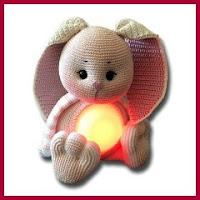 Lámpara conejito amigurumi