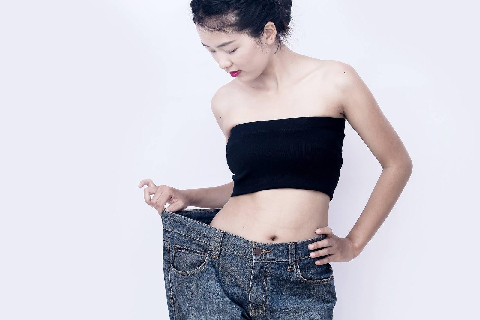 VitaEnergy อาหารเสริมแบบรวมสำหรับการลดน้ำหนักและทำให้ร่างกายทั้งหมดของคุณมีสุขภาพดีขึ้น การควบคุมอาหารสมัยใหม่เพื่อการแก้ไขน้ำหนักให้ถูกต้องและทำให้การทำงานของอวัยวะภายในของคุณเป็นปกติ